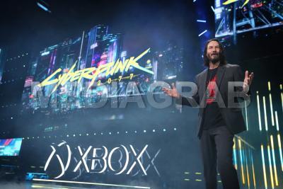 Xbox-Briefing-Photo-Cyberpunk-Keanu.jpg