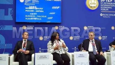 Isabel dos Santos represents African business leaders at St Petersburg Economic Forum